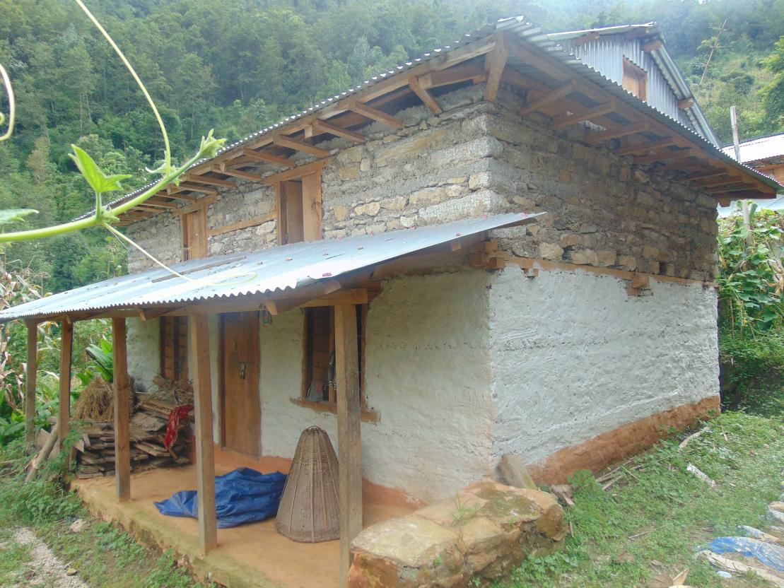 earthquakes_nepal_house